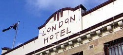 London Hotel and Restaurant - Accommodation Whitsundays