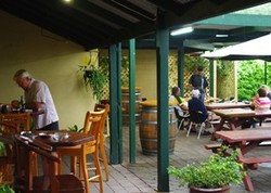 Bird In Hand Inn - Accommodation Whitsundays