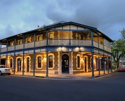 Kensington Hotel - Accommodation Whitsundays