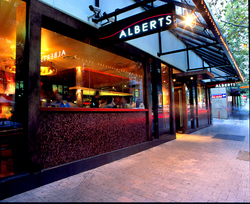 Alberts - Accommodation Whitsundays