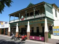 Shamrock Hotel Alexandra - Accommodation Whitsundays