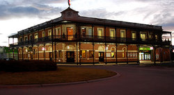 The Grand Terminus Hotel - Accommodation Whitsundays