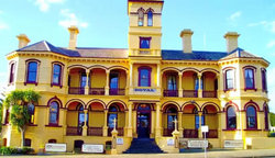 The Queenscliff Historic Royal Hotel - Accommodation Whitsundays