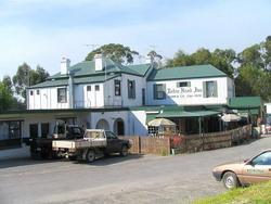 Robin Hood Hotel - Accommodation Whitsundays