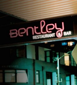 Bentley Bar - Accommodation Whitsundays