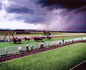 Hawkesbury Race Club - Accommodation Whitsundays