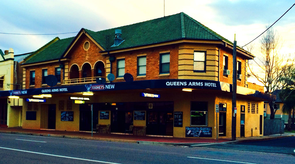 Queens Arms Hotel - Accommodation Whitsundays