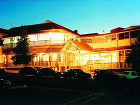 Loxton Community Hotel Motel - Accommodation Whitsundays