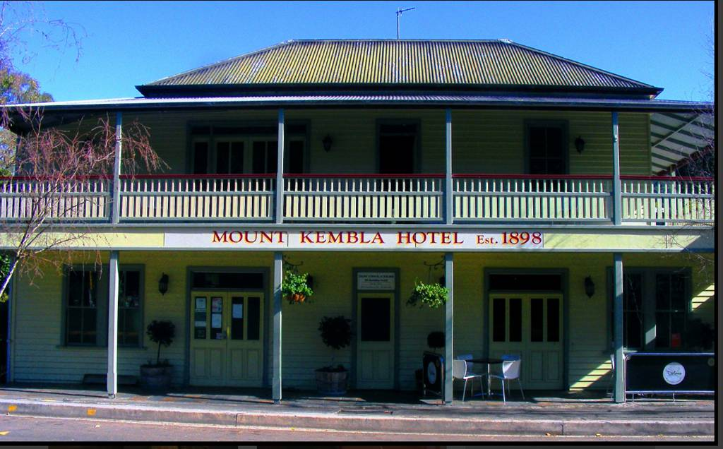 Mount Kembla Village Hotel - Accommodation Whitsundays