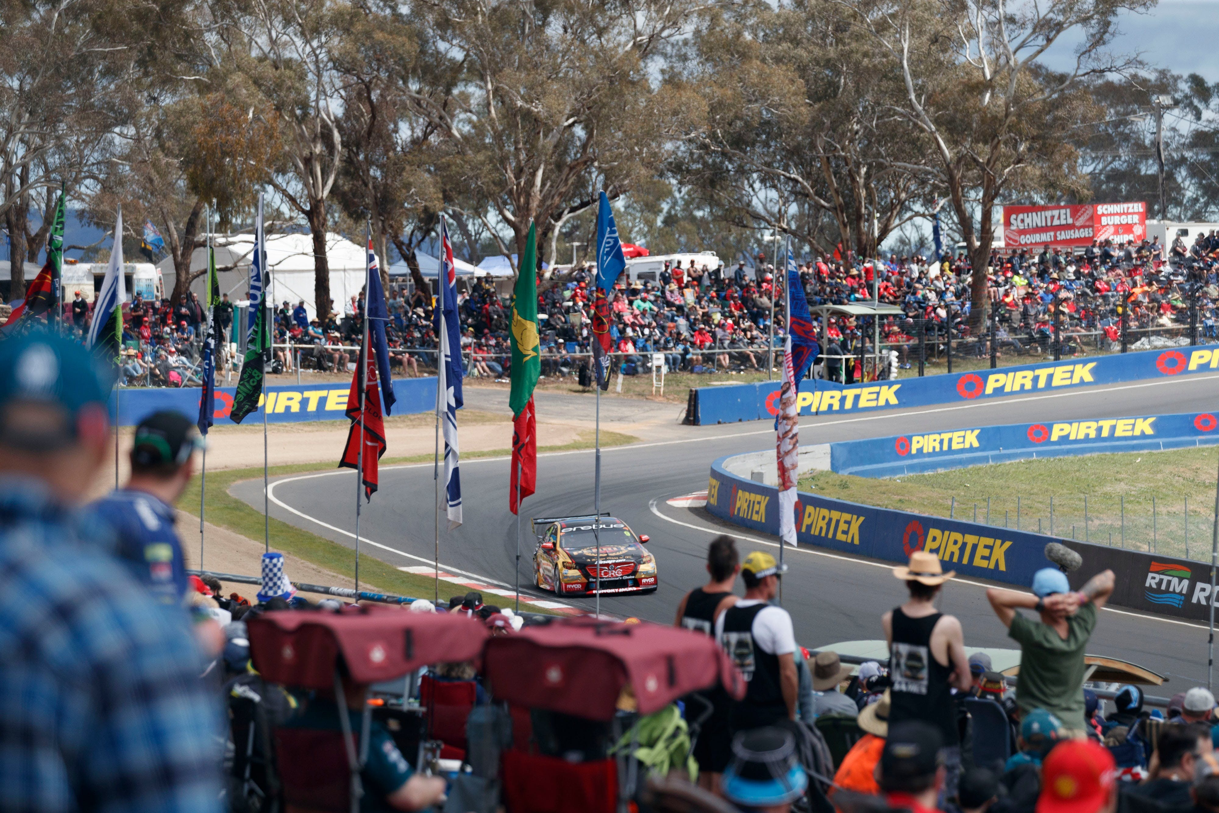 Supercars Supercheap Auto Bathurst 1000 - Accommodation Whitsundays