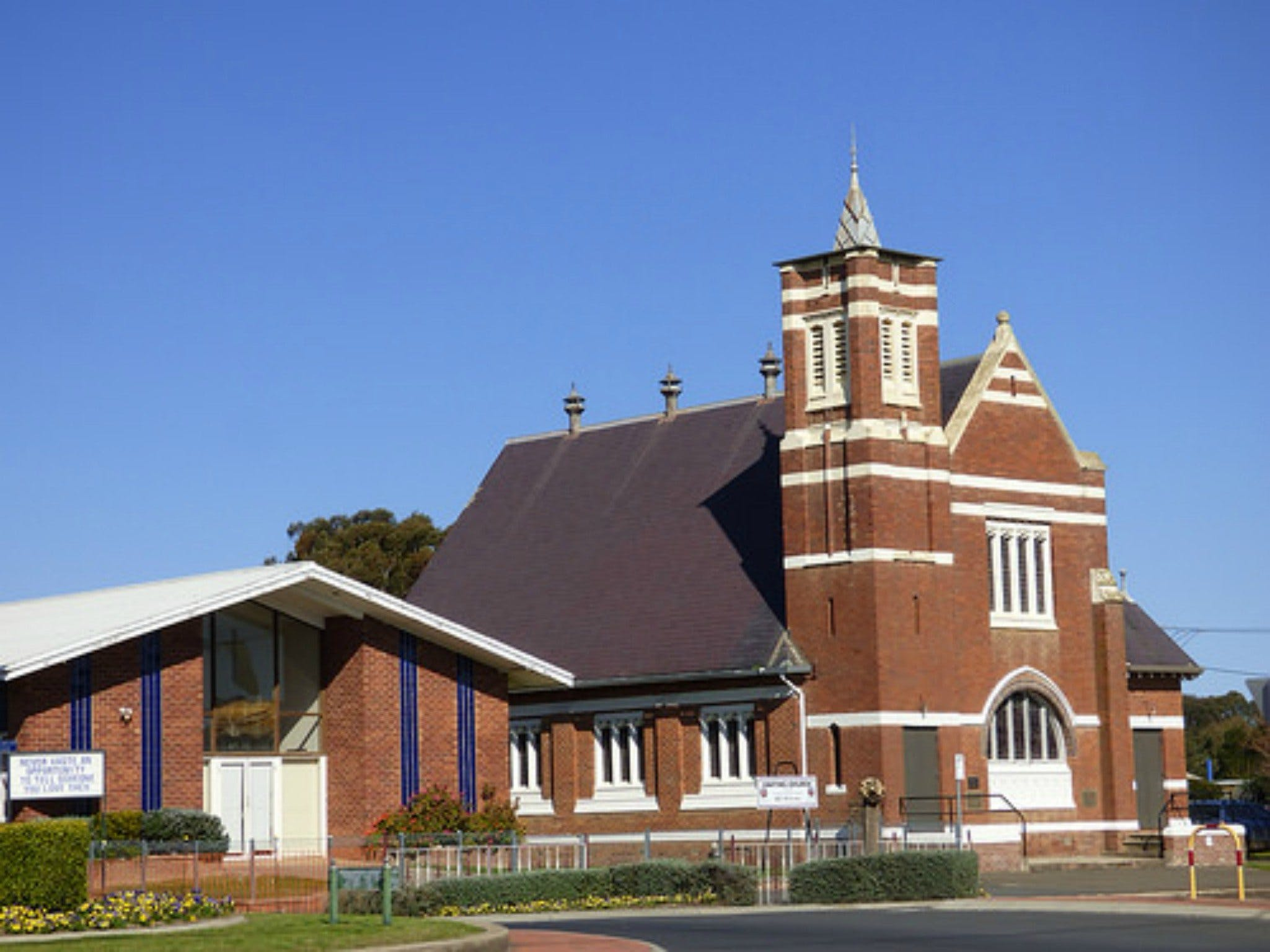 Uniting Church Monthly Markets - Accommodation Whitsundays