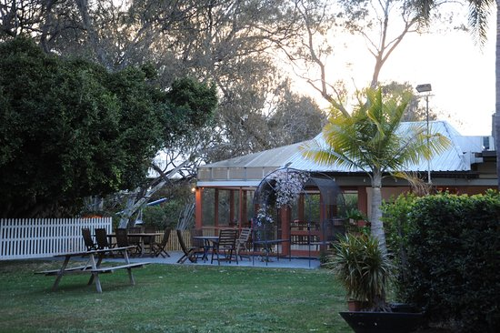 Artesian Spa Motel - Accommodation Whitsundays