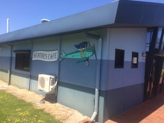 Aviator's Cafe - Accommodation Whitsundays