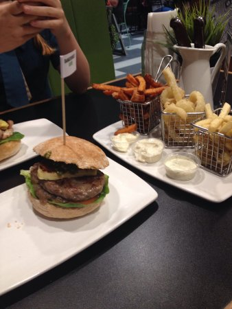 Burger Urge - Accommodation Whitsundays
