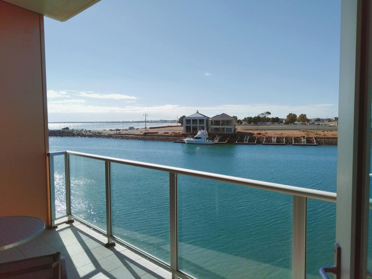 Wallaroo Marina Executive Apartments - Accommodation Whitsundays