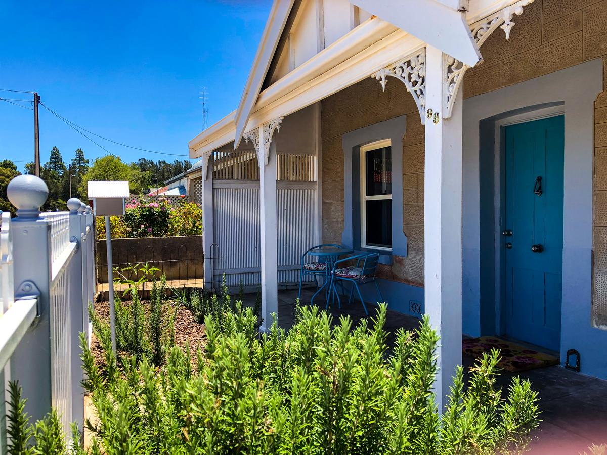 Inglenook Cottage - Accommodation Whitsundays