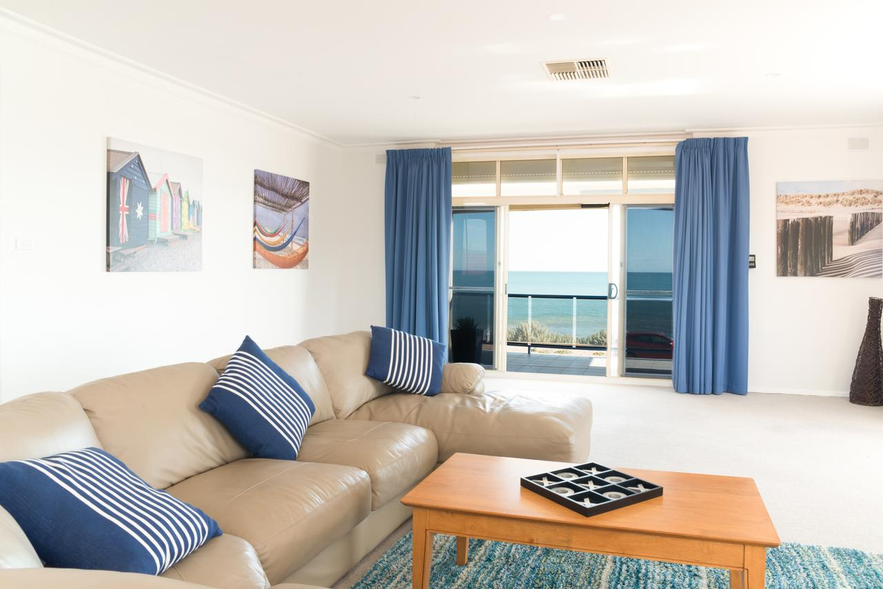 Seaview Sunset Holiday Apartments - Accommodation Whitsundays