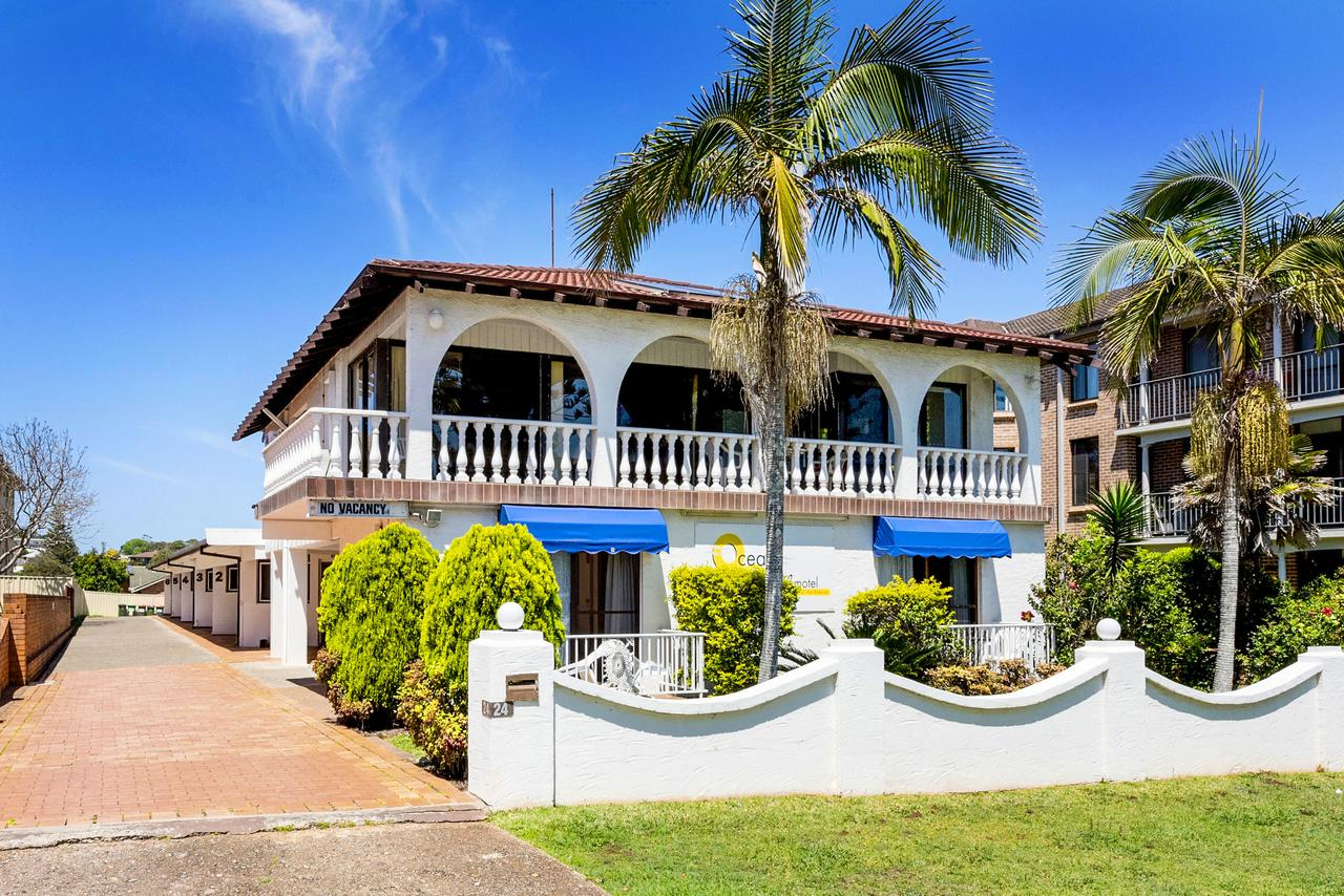 OCEAN BREEZE MOTEL - Accommodation Whitsundays