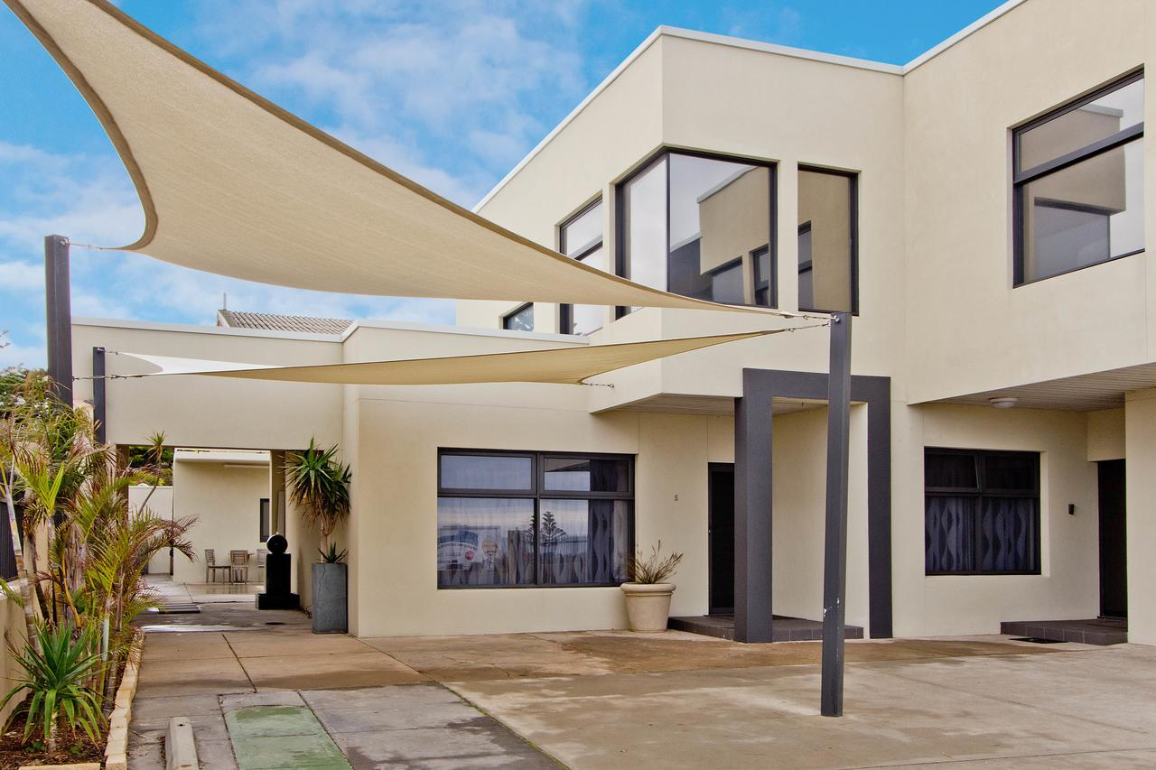 Atlantic West Beach Apartments - Accommodation Whitsundays