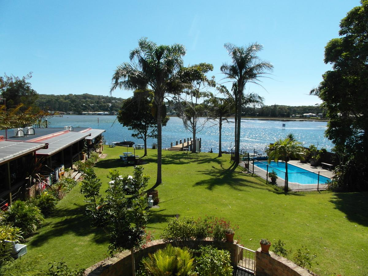 Lake Edge Apartments - Accommodation Whitsundays