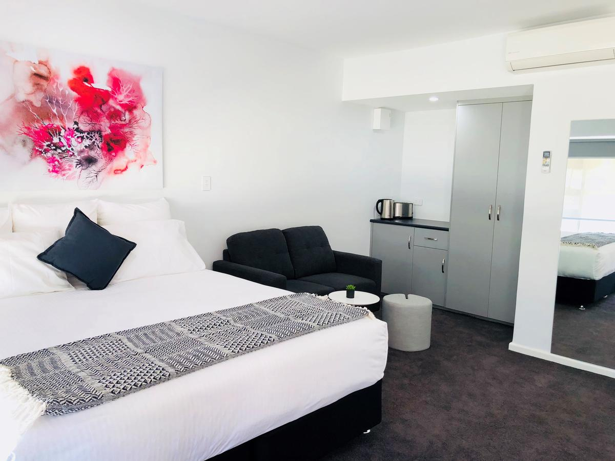 The Avenue Inn - Accommodation Whitsundays