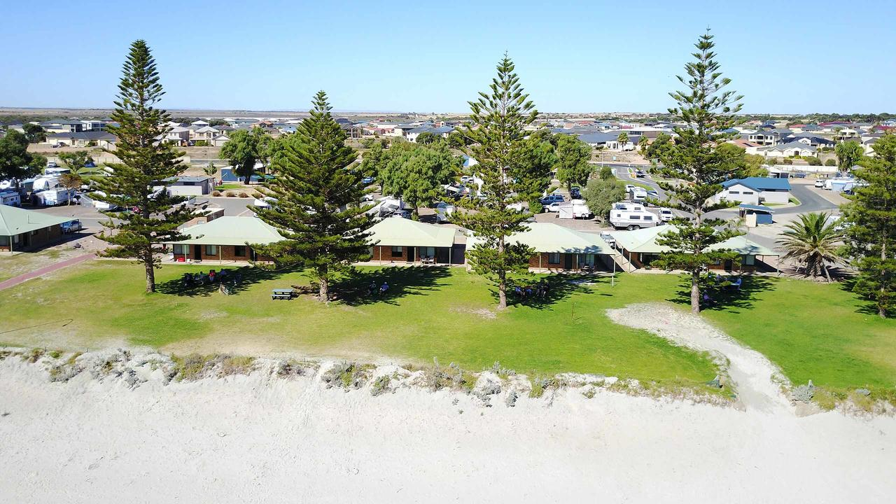 Wallaroo Holiday Park - Accommodation Whitsundays
