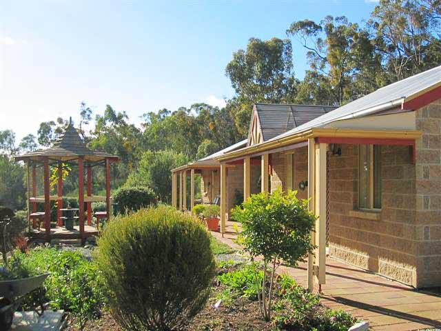 Riesling Trail  Clare Valley Cottages - Accommodation Whitsundays