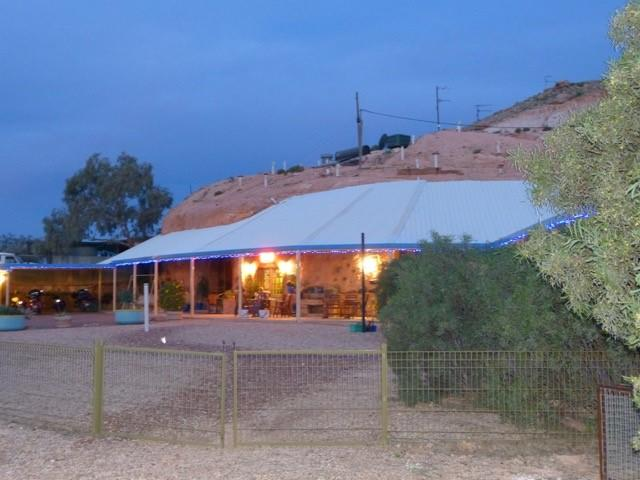 The Underground Motel - Accommodation Whitsundays