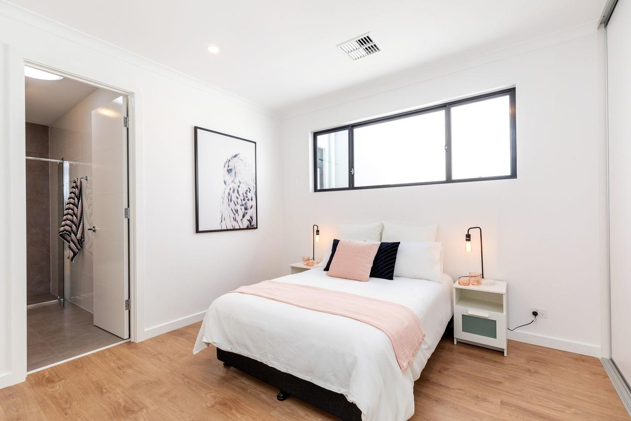 Brand new affordable luxury 3 bedroom 3 bathrooms house close to Adelaide city Chinatown beach Adelaide Airport - Accommodation Whitsundays