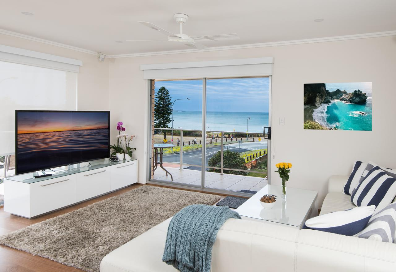 Stylish 3 Bedroom Beachview Apartment - Accommodation Whitsundays