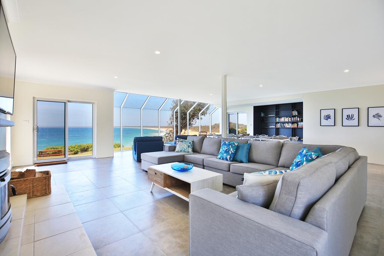 Neptune - Absolute Beachfront - Accommodation Whitsundays