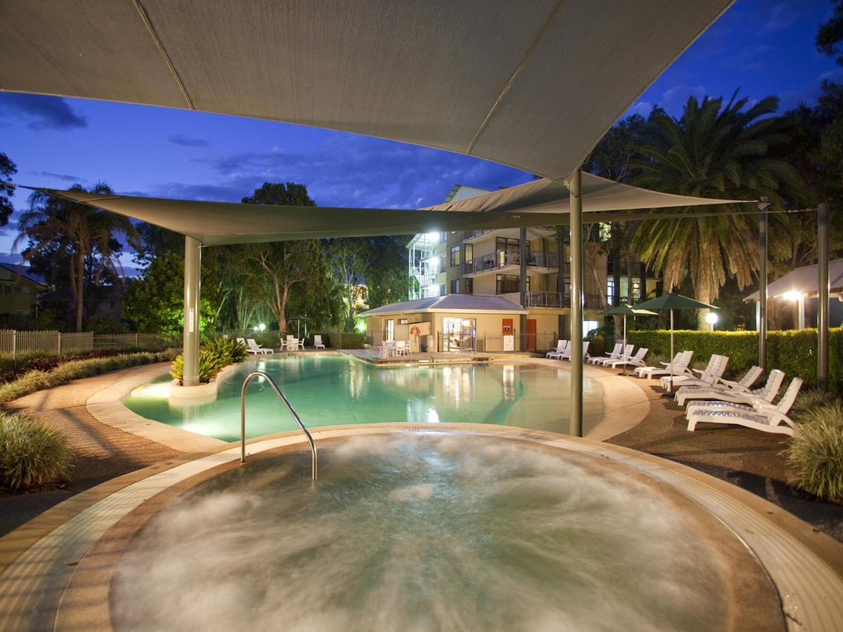Ramada Resort by Wyndham Flynns Beach - Accommodation Whitsundays