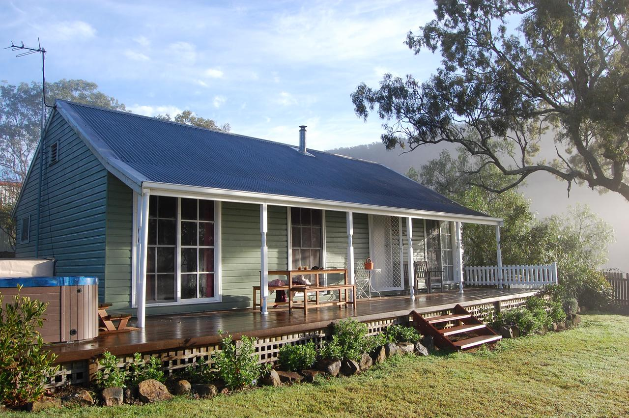 Cadair Cottages - Accommodation Whitsundays