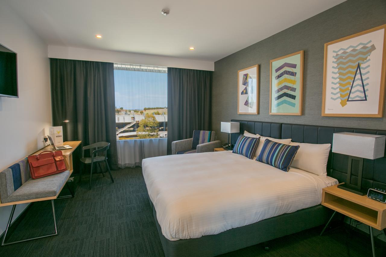 Alpha Hotel Eastern Creek - Accommodation Whitsundays