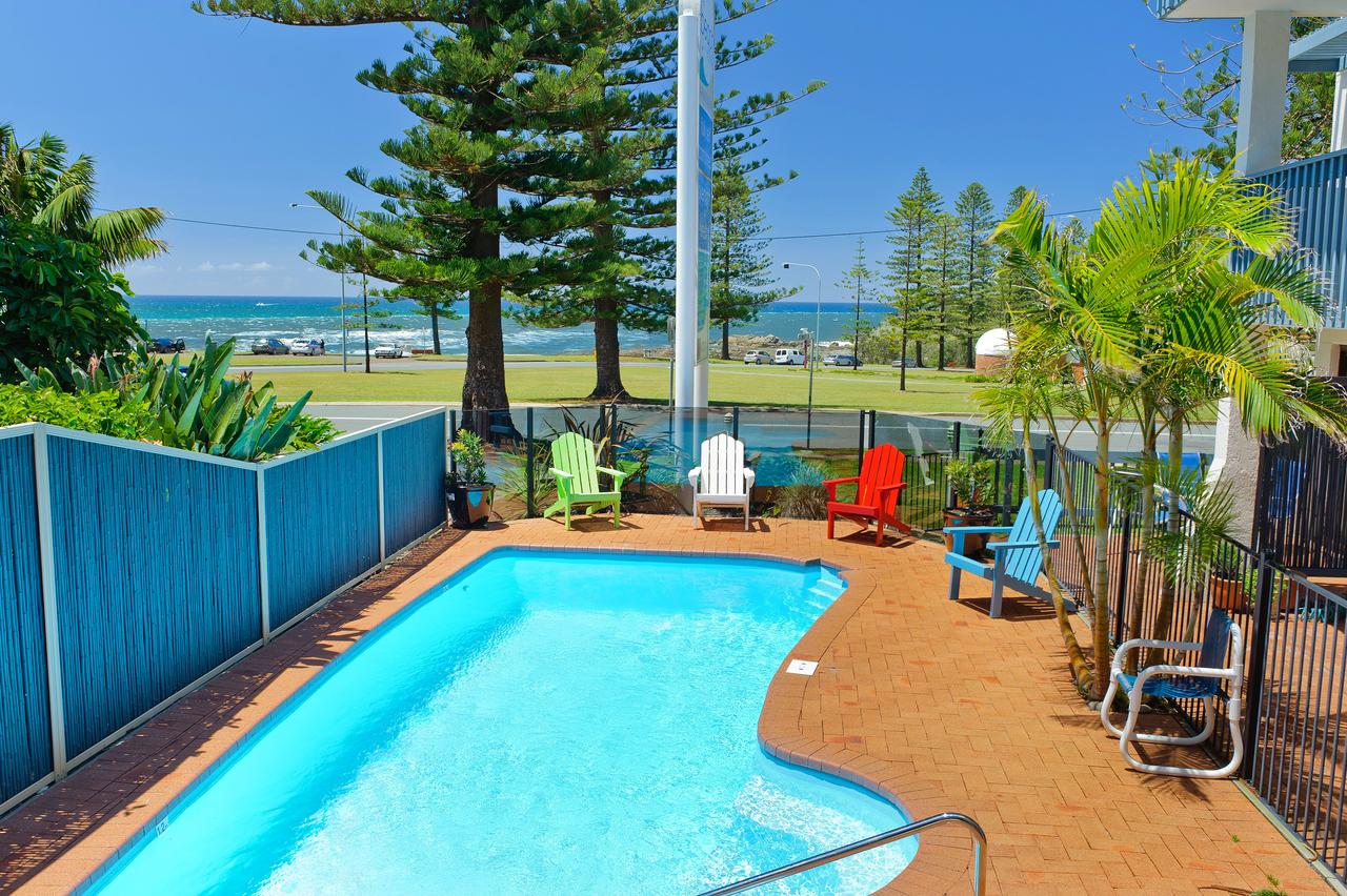 Beach House Holiday Apartments - Accommodation Whitsundays