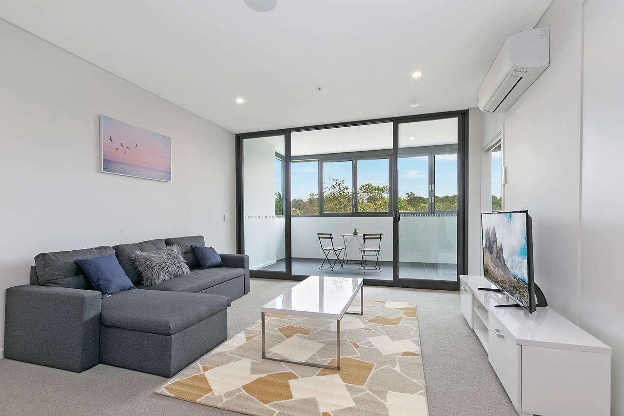 Stylish and Neat two bed apartment in Wentworth Point - Accommodation Whitsundays