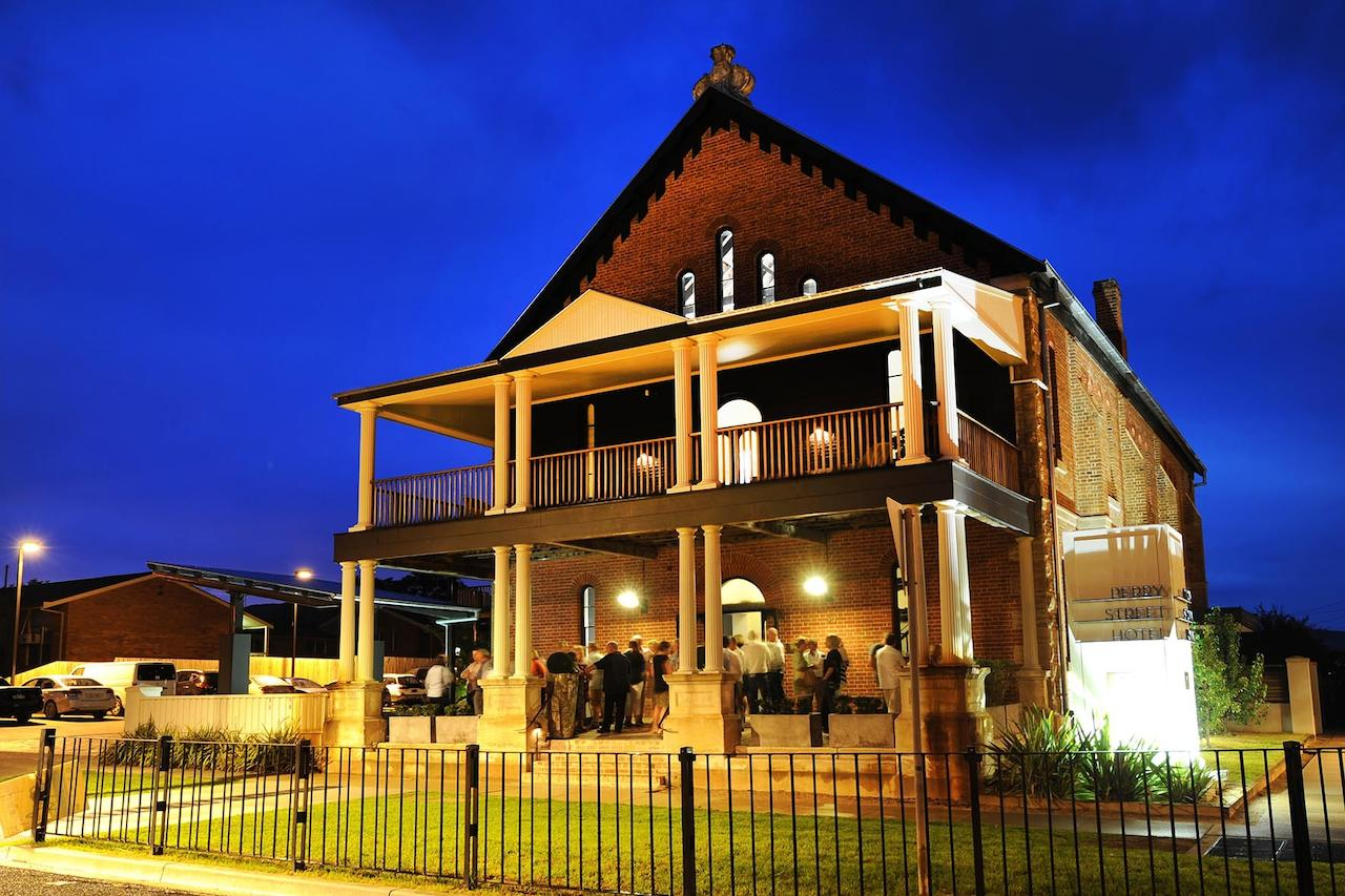 Perry Street Hotel - Accommodation Whitsundays