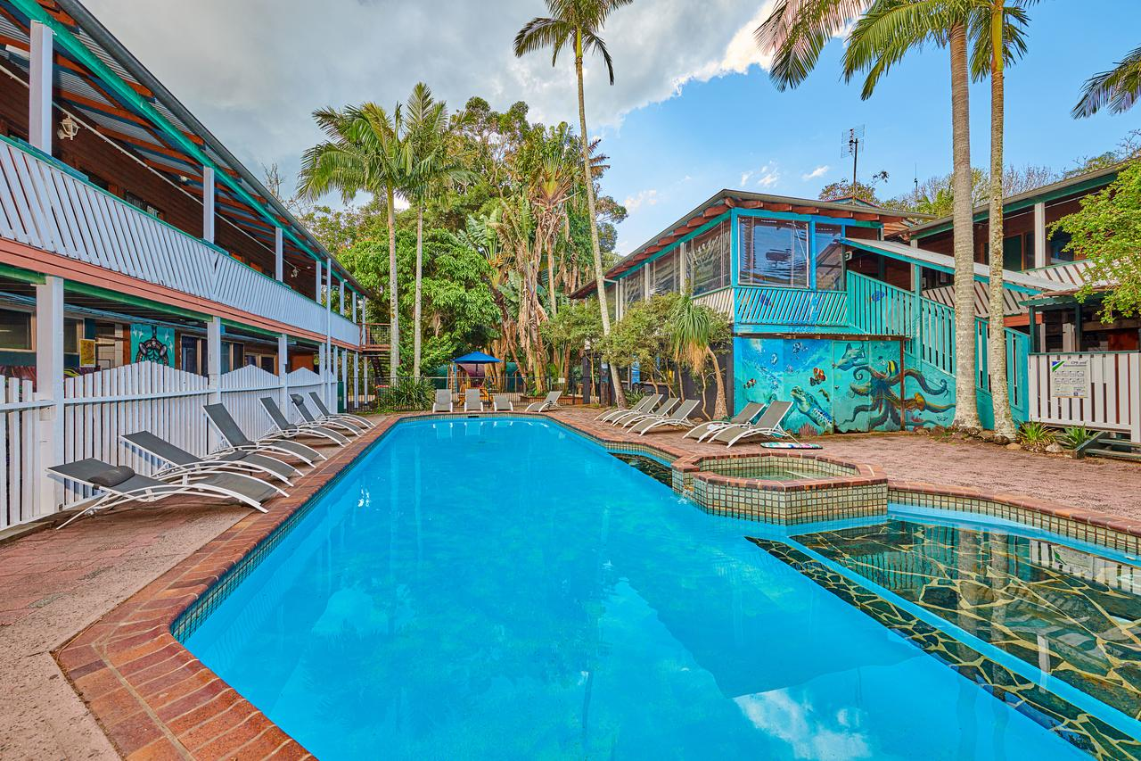 Arts Factory Lodge - Accommodation Whitsundays