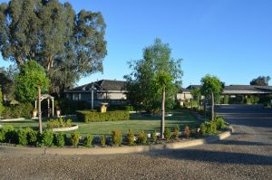 Burringa Garden Motel - Accommodation Whitsundays