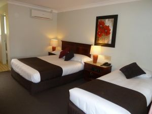 McNevins Warwick Motel - Accommodation Whitsundays