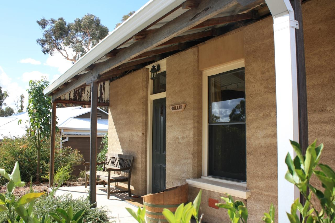 Hotham Ridge Winery and Cottages - Accommodation Whitsundays