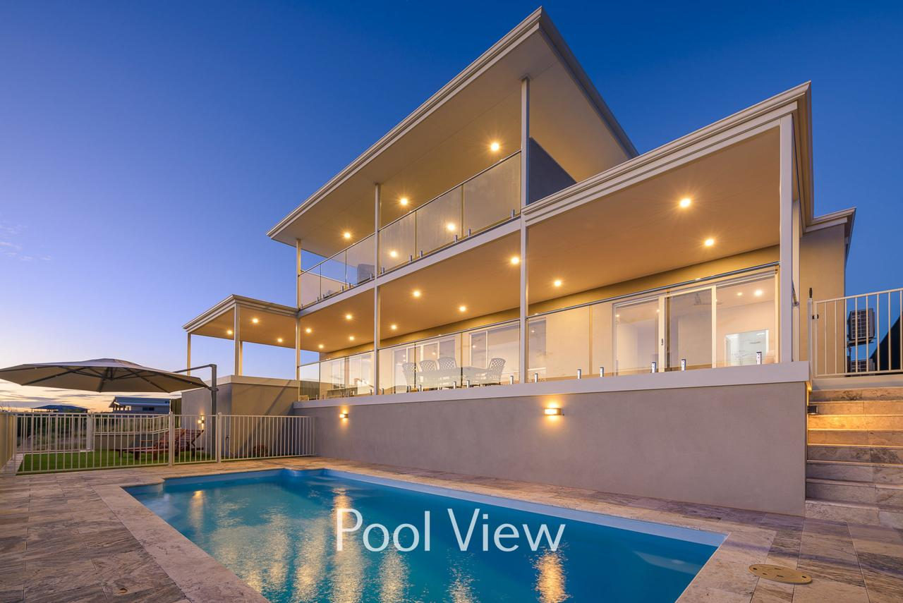 32 Corella Court - Private Jetty and Pool - Accommodation Whitsundays