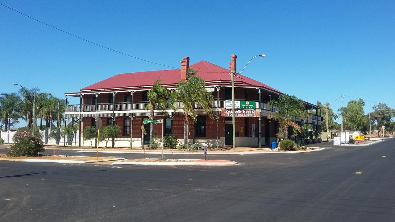 The Palace Hotel - Accommodation Whitsundays