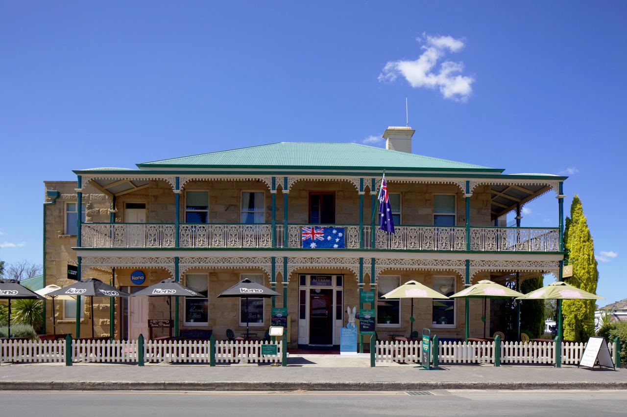 The Richmond Arms Hotel - Accommodation Whitsundays