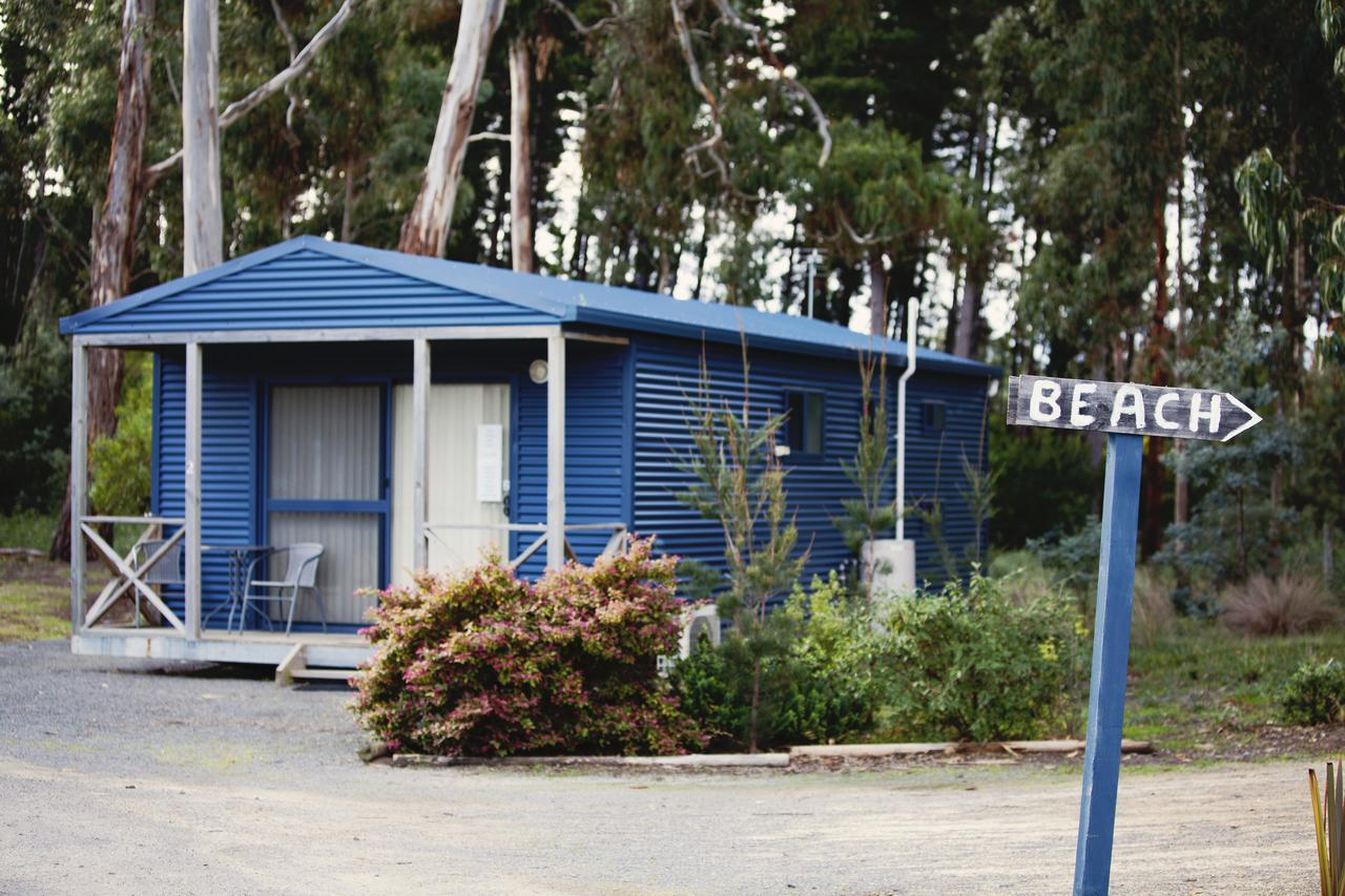 Seven Mile Beach Cabin and Caravan Park - Accommodation Whitsundays