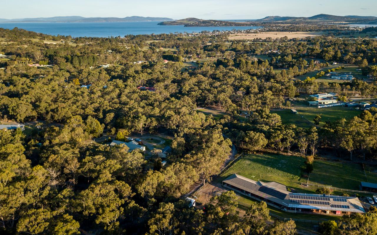 Acton Park Holiday Units - Accommodation Whitsundays