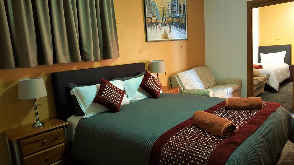 New Olympic Motel - Accommodation Whitsundays