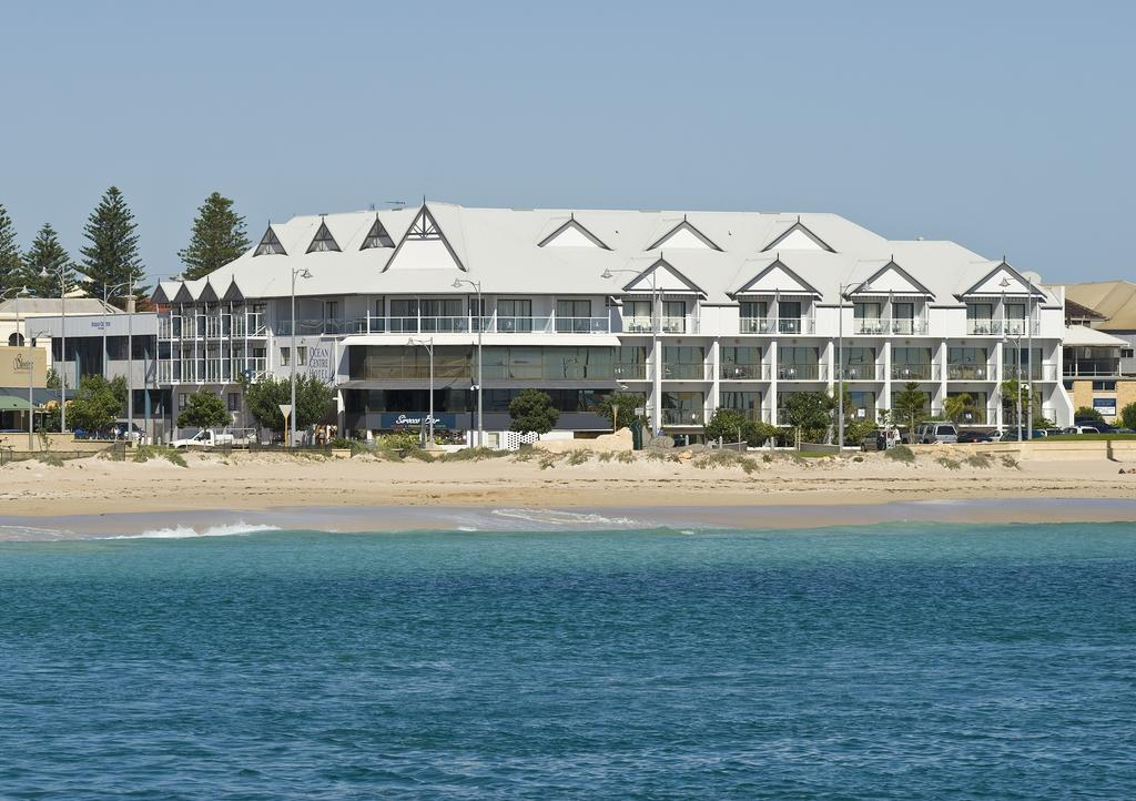 Ocean Centre Hotel - Accommodation Whitsundays