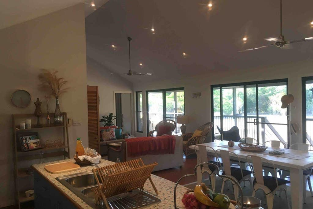 Valley Views Lodge Port Douglas - Accommodation Whitsundays