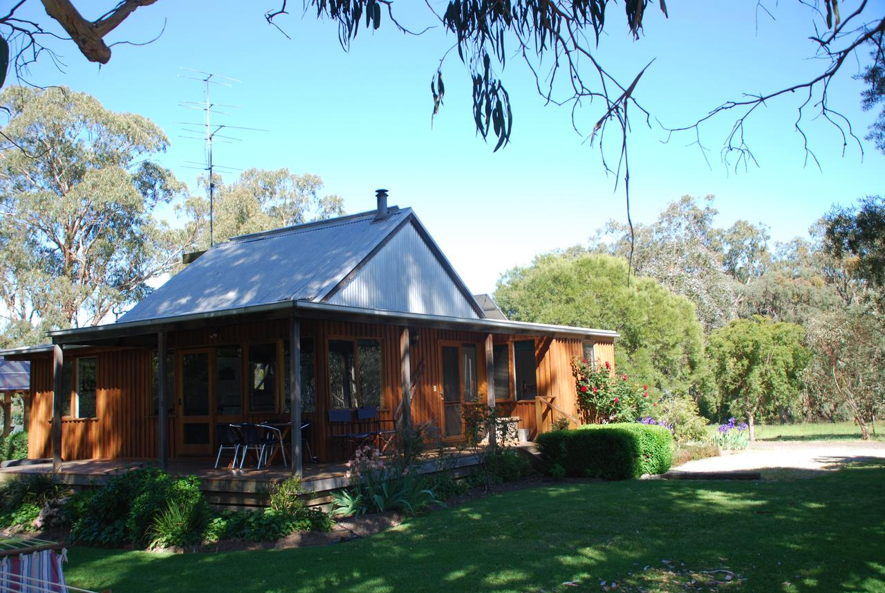 Bluegum Ridge Cottages - Accommodation Whitsundays
